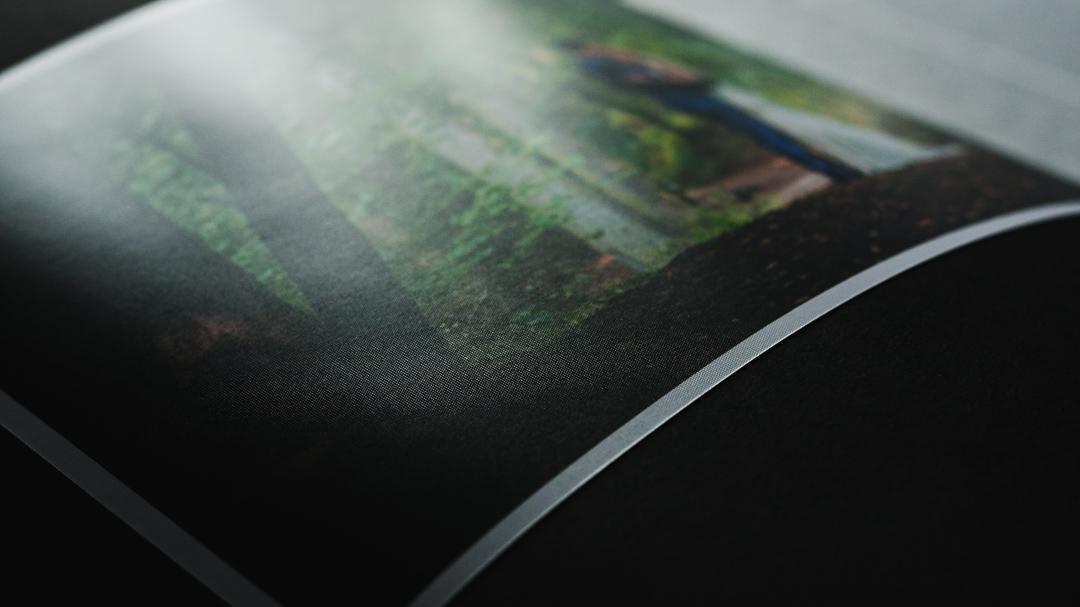 Zdjęcie na papierze jedwabnym w albumie tradycyjnym
